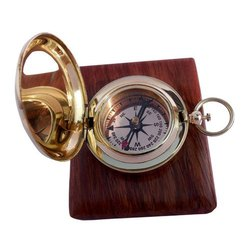 Golden 2.5 Inch Metal Compas, Packaging Type: Box