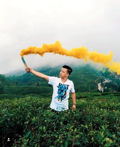 Colour Smoke Cans Smoke Bombs all india delivery Astronomia Shoppe