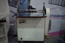Creasing machine for flat bottom paper bag