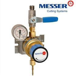 Tapping Point Pressure Control Regulator for Oxygen