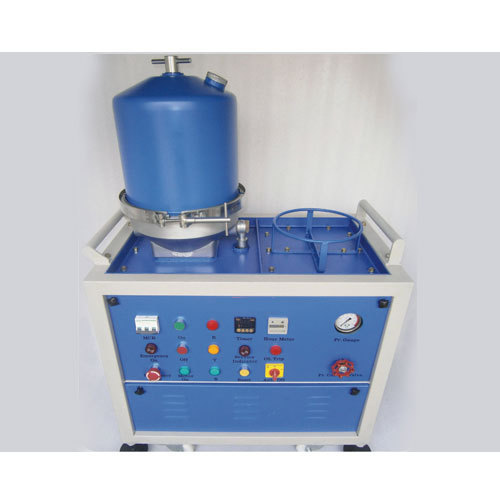 Centrifugal Oil Cleaner And Centrifugal Cleaning System