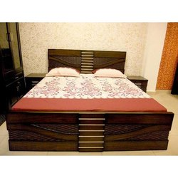 Vasavi Brown Queen Size Wooden Bed, Size: 5 ft X 6.3 ft