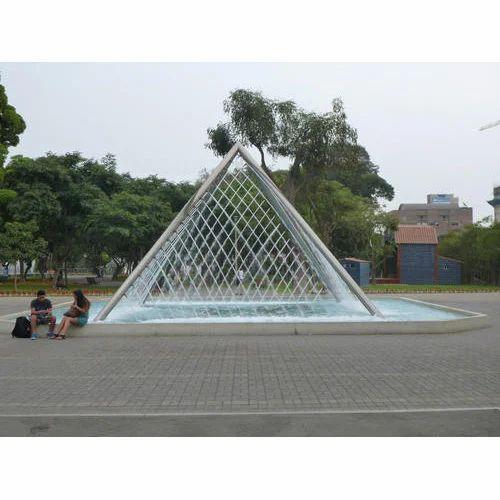 Cream Pyramid Jet Fountain