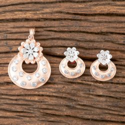 White Brass Designer Classic Rose Gold Plated Pendant Set 406996
