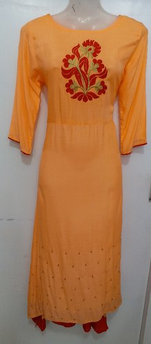 Casual Wear 3/4th Sleeve Ladies Designer Kurtis