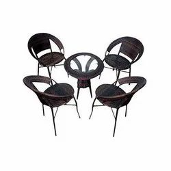 Universal Furniture Garden Table and 4 Chairs Set