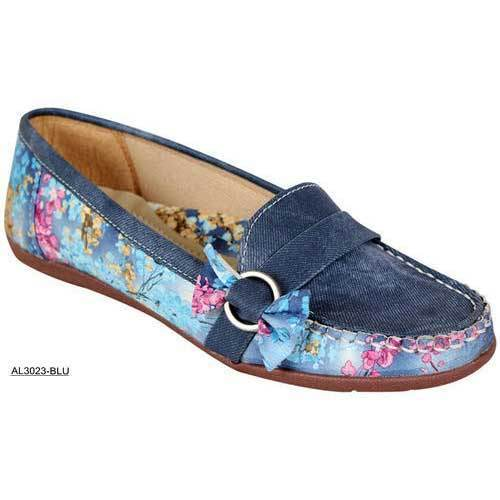 e7b729807e9 Causal Ladies Stylish Loafer Shoes