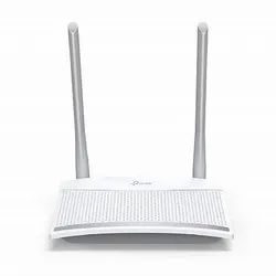 White Wireless or Wi-Fi Tp Link Router 300 Mbps Tl-Wr820n