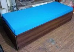 Solid Wood Modern Diwan Cum Bed, Size: 6x3 Feet, for Home