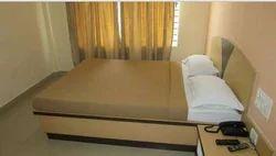 Semi Deluxe Rooms Service