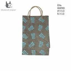 Linen Carry Bag (M) - sky blue twig leaf print, jute rope handles