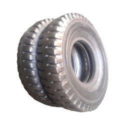 Apollo Used Bus Tyres