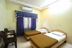 Deluxe AC Room Rental Service