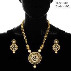 de245ed119f0 fusion Black Meena Traditional Antique Pearl Beaded Pendant Set