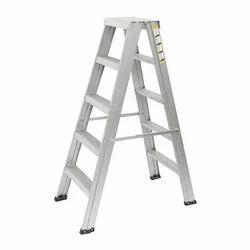 4.5 Feet Aluminium Self Supporting Ladder