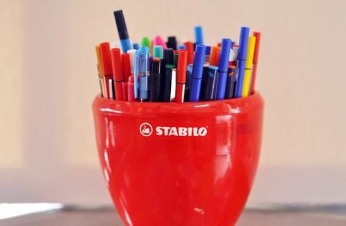 Ilo Red Pen Pencil Holder