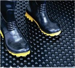 Anti Fatigue Rubber Mat (Ergonomics) Bubble Mat Standing mats in Semi Circle design & Long Length