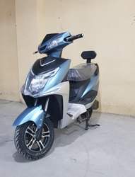 SN BOLT Electric Scooter, Wheel Size And Wheel Type: 10 Alloy Wheel, 5 Hours, 4 Hours