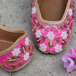 Pink Punjabi Jutti