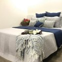 Quilts And Bedspreads / Bedcover