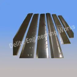 Delite Make Paper Cutting Blades for Industrial, Packaging Type: Box