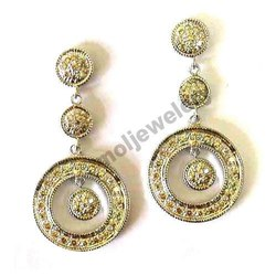 Beautiful Cut Diamond Studded 14k Gold Earring