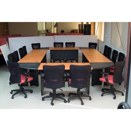 Prelam Particle Board Square Wooden Conference Room Table Rs - Square conference room table