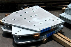 Fabricated Stainless Steel Coated Plates, Packaging: Box