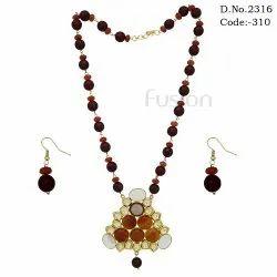 Designer Glass Beads Pendant Set
