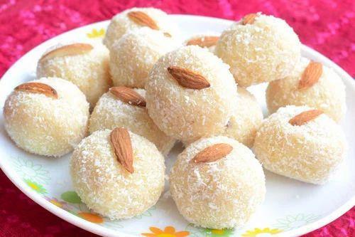 Nariyal Laddu, 500g and 5Kg, Rs 400 /kilogram Badriji Sweet & Namkeen   ID: 18909500412