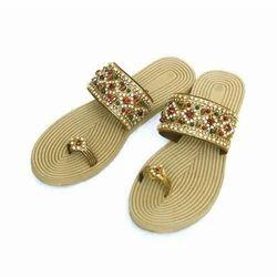 Party Wear Golden Ladies Fancy Slipper