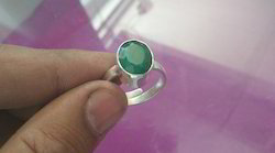 Emerald ( Panna ) Gemstone Silver Ring Of 7.25 Ratti