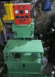 Mild Steel Rubber Moulding Machine 12 X 12, Capacity: 40 Tan