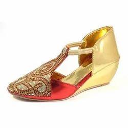 Klaxxyque Footwear Embroidered Ladies Juti Style Heel Sandal, Size: 7-10