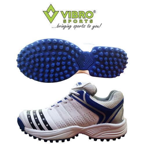 the best attitude 1d7a2 f0b44 Vibro Sports Rubber Sole Cricket Shoes, Size  7 and 9