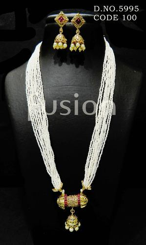 Traditional Pearl Antique Necklace Sets