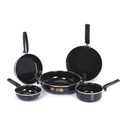 Milton Nova Black 5 Pc Set Cookware Set