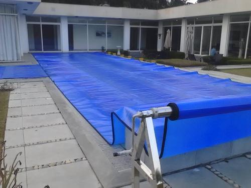 Pool Covers: What Is the Right Choice for your swimming pool?
