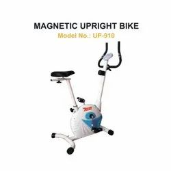 UP 910 Magnetic Upright Bike