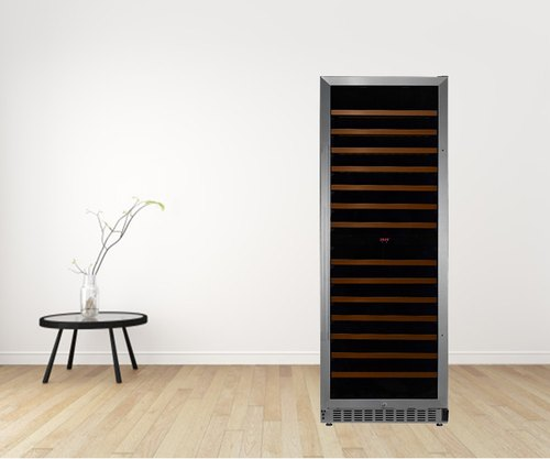 Glass Door with Black Cabinet Wine Cooler - White Westinghouse, Size: 23 inch With Handle