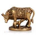 黄铜牛雕像