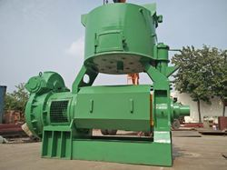 Vegetable Oil Extraction Machine, Capacity: 1-5 Ton/day