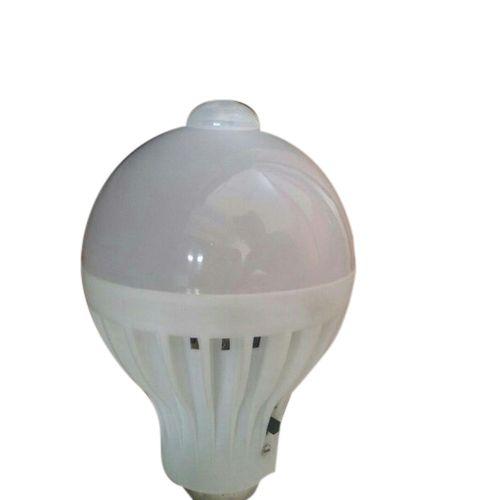 Plastic Cool White 5W LED Bulb, Base Type: E-40