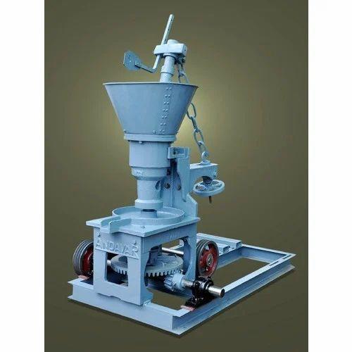 Semi-Automatic Oil Mill Machine, Capacity: 1-5 Ton/Day