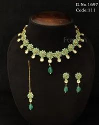 Traditional Kundan Meenakari Delicate Necklace Set