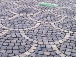 Limestone Black Cobble Stone for Landscaping