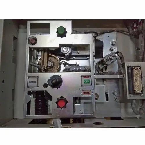 Circuit Breaker Maintenance Service
