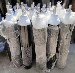 b型(10升)医用氧气瓶,工作压力:150 kgf/cm2