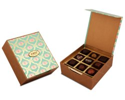 Zoroy Luxury Chocolate Lotus Themed Celebration Box With 9 Assorted Chocolates