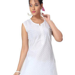 ff714f2422b Charming Ladies White Cotton Sleeveless Kurti
